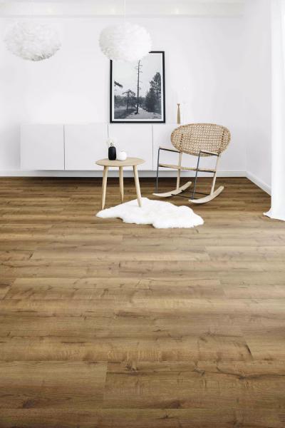 Vinylová podlaha zkolekce Designline 400 (Wineo), dekor Fortune Stone Rusty, rozměr lamely 60,96 × 30,48cm, pokládka celoplošným lepením, cena 556 Kč/m², www.kpp.cz