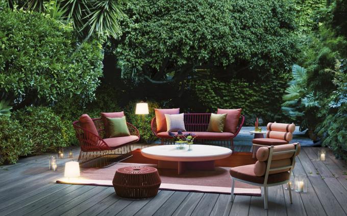 Křeslo Roll Club Chair (Kettal), design Patricia Urquiola, hliník, textilie, orientační cena 57000Kč, www.konsepti.com