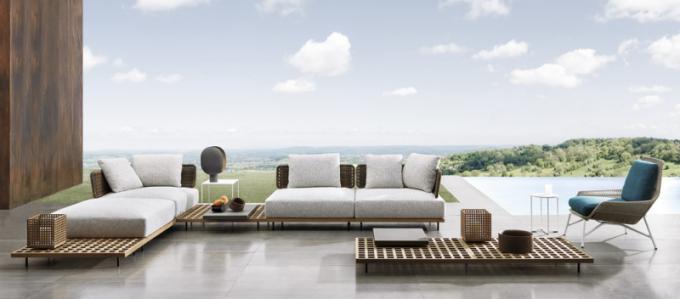 Nábytek zkolekce Quadrado (Minotti), design Marcio Kogan, týkové dřevo, cena nadotaz, www.cskarlin.cz