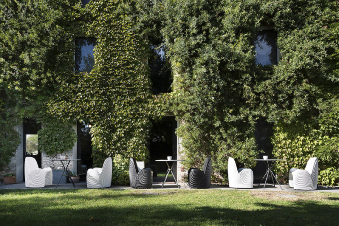 Křeslo River Chair (Tonon), design Mac Stopa, polyuretan, cena 17787Kč, www.cskarlin.cz