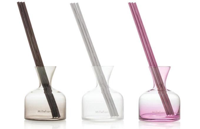 Luxusní čistý design čirého nebo jemně tónovaného skla dodá vašemu domovu nebo pracovišti dotek vytříbeného italského vkusu.