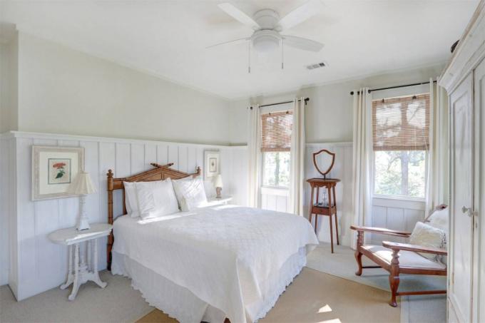 Dům ve venkovském stylu se nachází ve městě Tybee Island vamerickém státě Georgie. Město leží na stejnojmenném ostrově v Atlantském oceánu v nejvýchodnějším cípu Georgie.