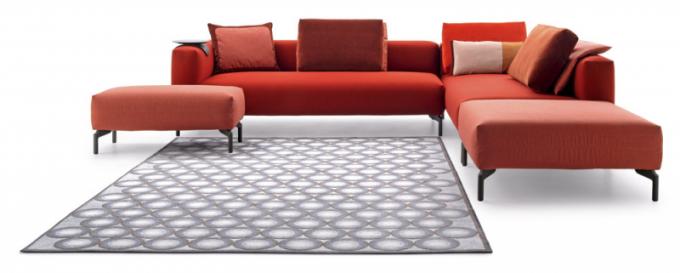 Sedací souprava Ziggy (Pode), design Pasca Bosetti, různě sestavitelé moduly, více druhů ibarev textilií, orientační cena 56115Kč, www.pode.eu