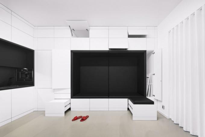 Obývací pokoj vakci. Nábytek je zhotovený zkvalitního lamina