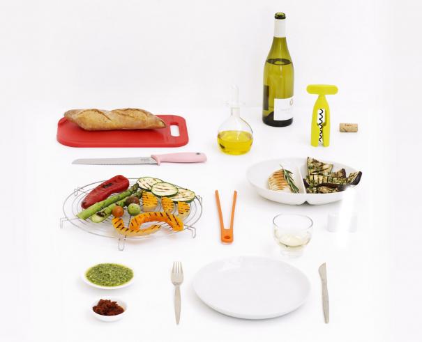 Ideální nástroj  Oranžová pinzeta Brabantia se perfektně hodí na smažení, pečení nebo obracení masa a zeleniny na grilu, aniž by narušila jejich strukturu. Je vyrobena z tepelně odolného silikonu a lze ji mýt i v myčce.  Kuchyňská pinzeta (Brabantia), cena 259 Kč, www.brabantia-shop.cz