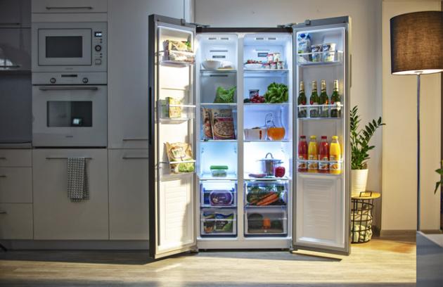 Chladničku LA7383ss díky novému způsobu otevírání dveří umístíte snadno doužších prostor nebo blízko zdi