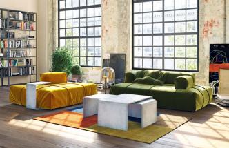 Sada tří konferenčních stolků Trio set (Gravelli), design Tomáš Vacek, tři barevné varianty, stolky lze pořídit isamostatně, cena 52 000 Kč, www.gravelli.com