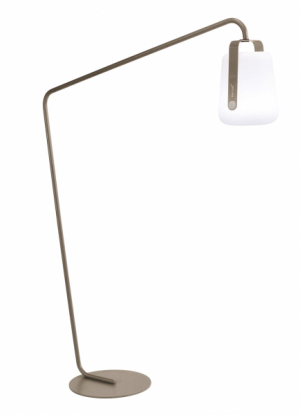 Exteriérová stojací lampa Balad (Fermob), design Tristan Lohner, vbalení stojan nalampu alampa, lze kombinovat různé barevné varianty, ocelová základna, hliník apolyetylen, cena základna 6370Kč alampa 4550Kč, www.decoform.cz