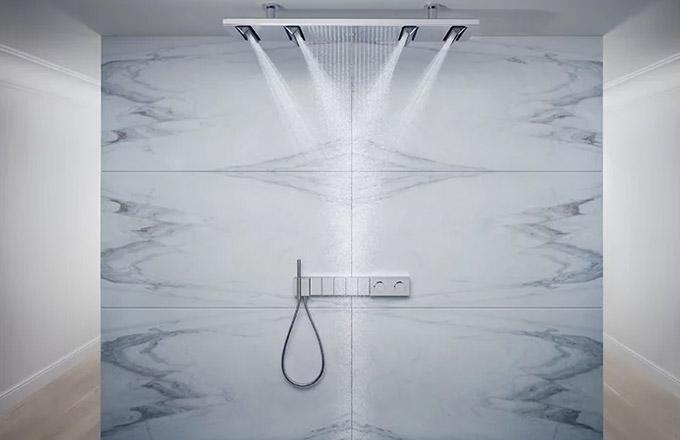 Oblíbená řada Axor Edge (Hansgrohe) se rozšířila otermostat Select 680/100, který umožňuje jednoduché přepínání mezi pěti režimy sprchování pro větší požitek zrelaxační očisty.