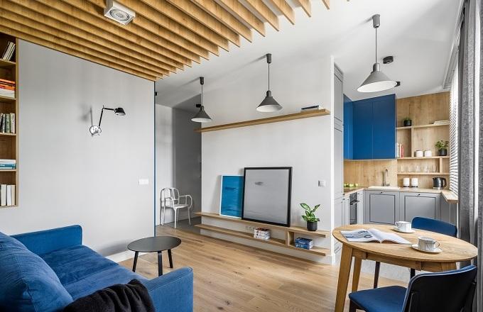 Majitel bytu o rozloze 45m2 ve Varšavě nebyl spokojený se stávajícím uspořádáním a rozhodl se obrátit na designéry ze studia 3XEL.