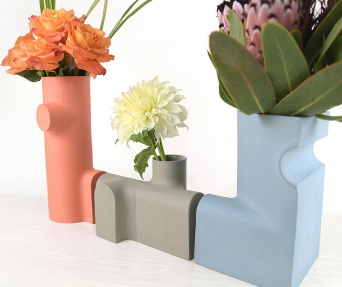 Edgewood Made, designérské studio zFiladelfie, se rozhodlo pro zcela atypické tvary váz.