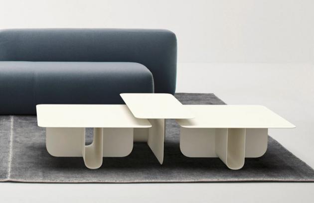 Minimalistická architektura byla hlavní předlohou odkládacích stolků U (La Cividina). Z jedné strany monolitický vzhled je okamžitě popřen při jiném úhlu pohledu, který naopak evokuje maximální lehkost. Čistý grafický styl zjemňují zaoblené linie desek stolu i konstrukčního řešení opory ve tvaru písmene U. Stůl je dostupný v mnoha rozměrech se čtvercovou, obdélníkovou i kulatou vrchní deskou. Vyroben je z kovu nebo z kombinace dřeva a kovu. Design Lanzavecchia + Wai, cena od 16 870 Kč, WWW.PUNTODESIGN.CZ
