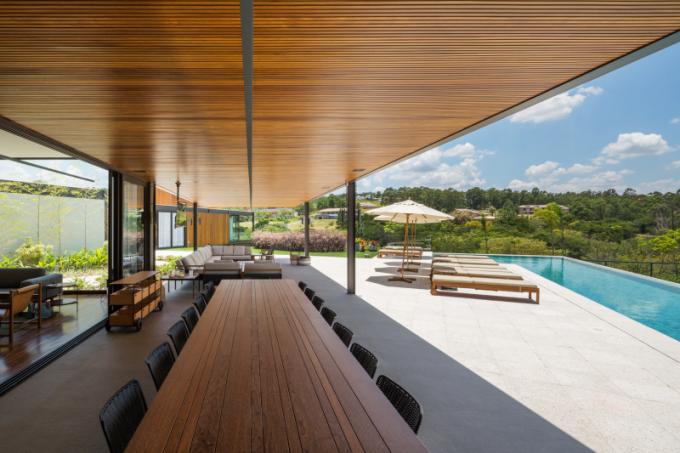 Prodloužením obytného prostoru je velká terasa