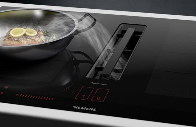 Na letošním veletrhu IFA v německém Berlíně představila značka Siemens expozici inspirovanou světovými metropolemi. Ve světě Siemens se návštěvníci seznámili s výhodami konektivity, inteligentních technologií aprvotřídního designu. Kromě řady světových inovací nabídla značka Siemens také kuchařské show.