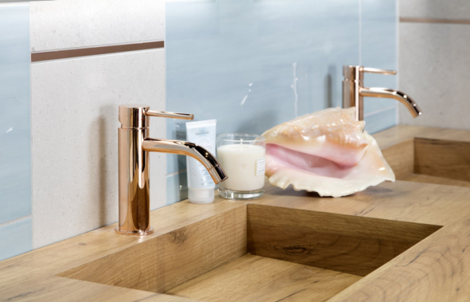 Moderní technologie a high-tech vychytávky se už staly nedílnou součástí našich domovů, koupelnu nevyjímaje. Přináší obrovský uživatelský komfort a každodenní prémiovou péči nám všem, bez ohledu na stylové ladění koupelny. Díky nim si můžeme vychutnat prvotřídní oázu očisty a relaxu.