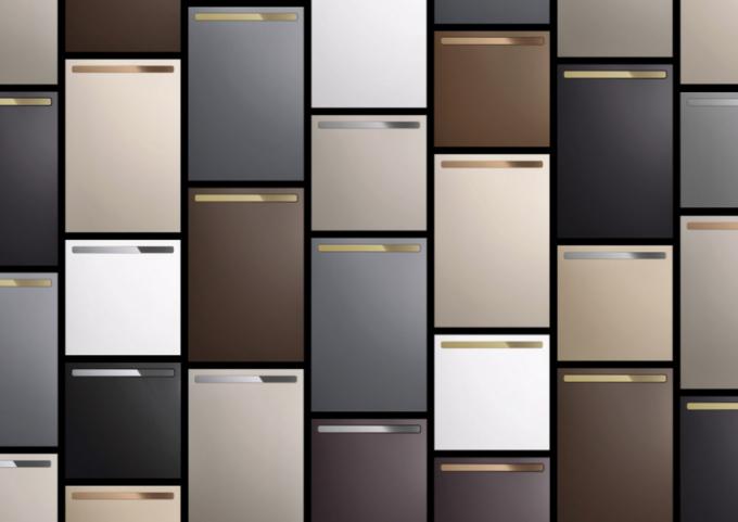 Množství nabízených odstínů, rozměrů a kovových doplňků umožňuje vytvořit až pět tisíc různýchkonfigurací