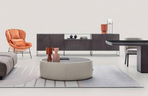 Nový koncept univerzálního nábytku Unit Vani Modulari (Ditre Italia), jehož autorem je Daniele Lo Scalzo Moscheri, je s přesností na milimetr bezchybný. Tak akorát materiálu, polic, skříněk, volných versus uzavřených ploch i dřeva v kontrastu s kovem. Cena na dotaz, WWW.DITREITALIA.COM