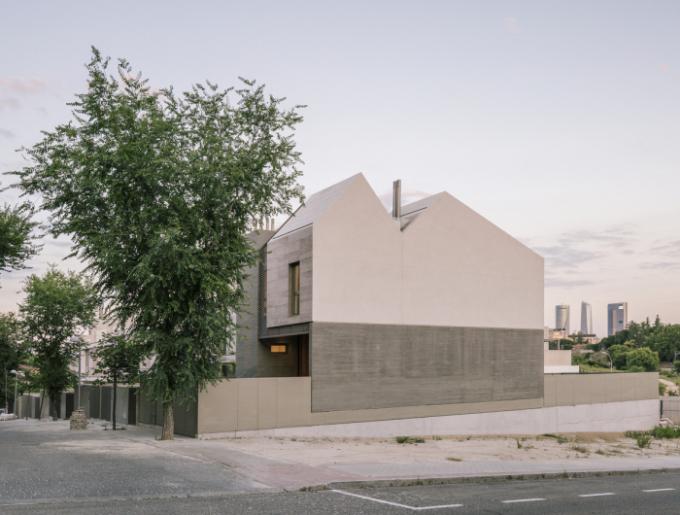 Bydlení ve tvaru španělského pohoří