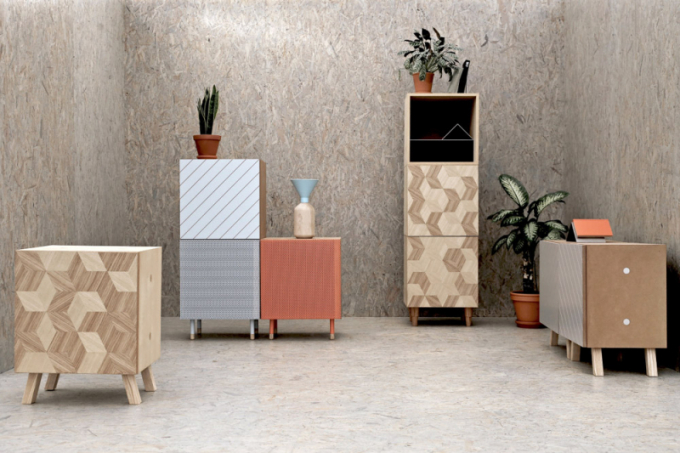 Základem je rozkládací nábytek. Kromě pohovky to může být například křeslo, puf, stůl nebo židle – ty mohou být také stohovatelné. Dobrým řešením jsou modulární sestavy, které je možné libovolně kombinovat avytvářet kompozice vhodné pro příjemné posezení ispánek.