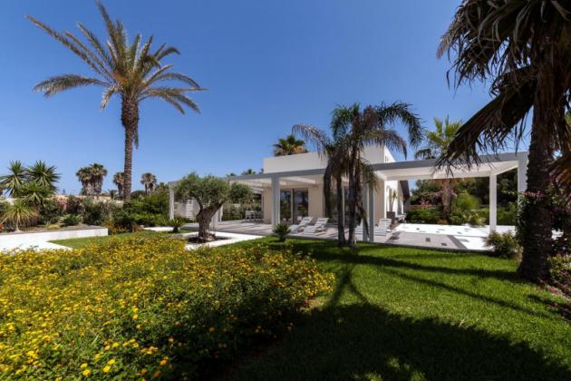 Slunná vila na Sicílii sesencí mramoru
