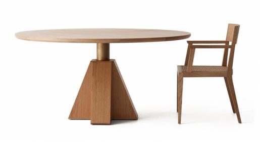 Stůl ažidle zkolekce Monumment (Daniel Boddam), masivní americký dub amosaz,  Ø 120 a150cm, cena nadotaz, www.danielboddam.com