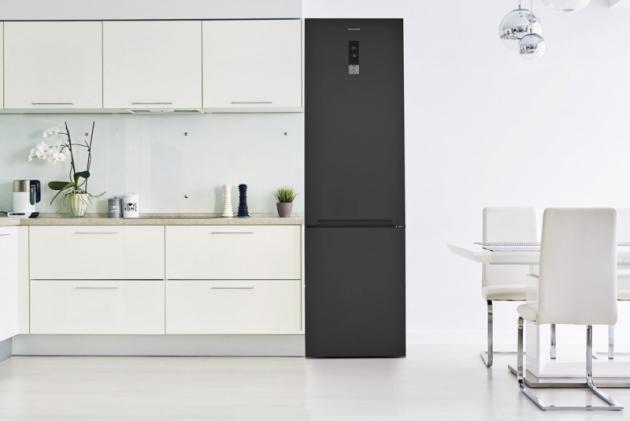Kombinovaná chladnička PCD 3602 NFDX (Philco), tmavý nerez, Double NoFrost, 2 nezávislé okruhy, funkčnost ipři -15°C, stabilní prostředí vevšech úrovních, cena 17490Kč, WWW.PHILCO.CZ