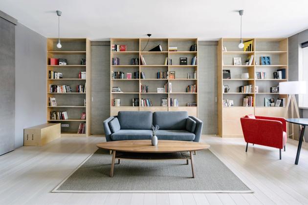 Architekti ze studia CXEMA měli za úkol vytvořit prostor pro pár, který si váží ticha a samoty. Byt o rozloze 82 m2 se nachází vMoskvě.