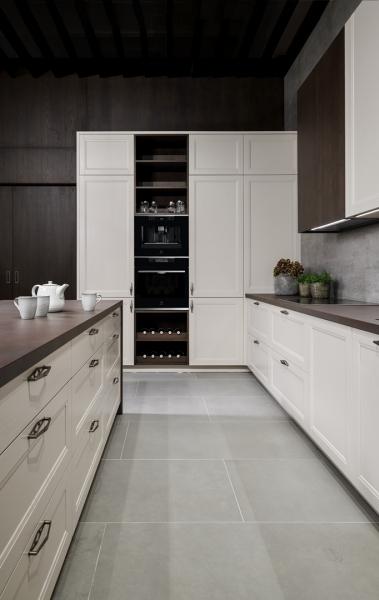 Decentní rámeček v krásné kuchyni NICE (Foto: HANÁK NÁBYTEK)