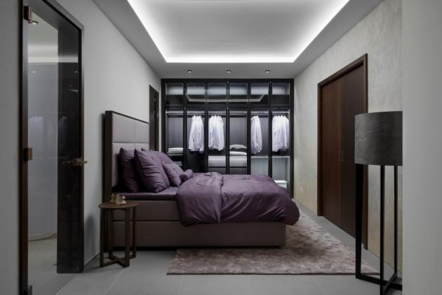 Luxusní ložnice LUTON s prosklenou šatní skříní SKY (Foto: HANÁK NÁBYTEK)
