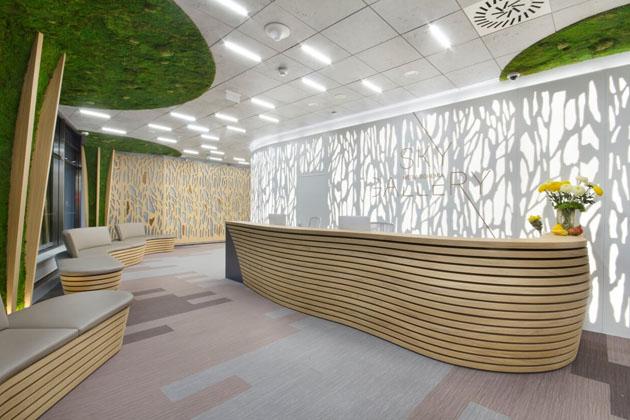 Mechové stěny budou zdobit interiér po mnoho let a jejich údržba je prakticky minimální.