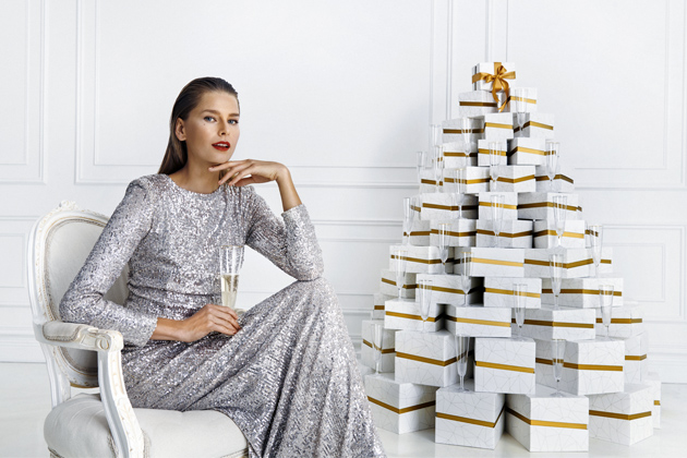Hlavní tváří vánoční kampaně je modelka Hana Soukupová (foto: Matúš Tóth)