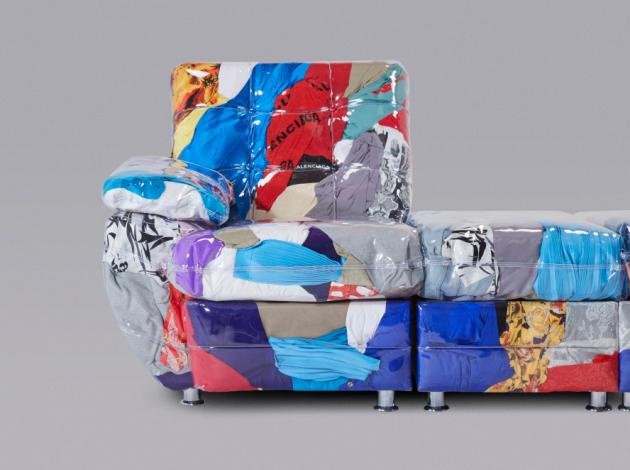 Španělská módní značka Balenciaga ve spolupráci s Harry Nurievem, ruským návrhářem z newyorského Crosby Studio, vytvořila průhlednou pohovku pro mezinárodní forum Design Miami 2019 (foto: Balenciaga a Crosby Studios)