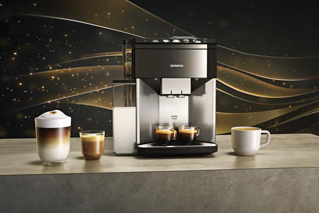 Plně automatický kávovar EQ.500 (Siemens), nerezový čelní panel, aktivní nahřívání šálků, cena 27490Kč, WWW.SIEMENS-HOME.BSH-GROUP.COM/CZ