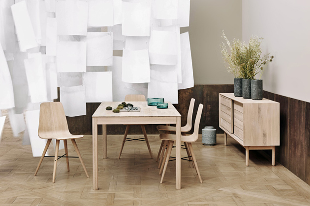 Židle Beaver (Bolia), design Says Who, olejovaný dub, cena 7710Kč, www.designville.cz