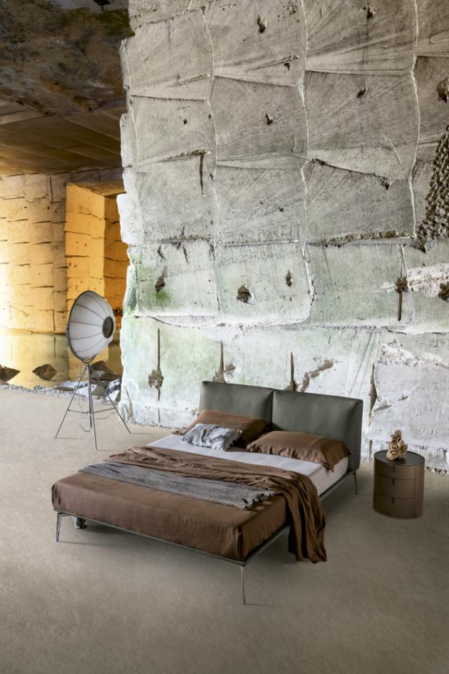 Postel Papillon (Alivar), design Giuseppe Bavuso, lakovaný hliník, polyuretan, textilie ikůže, cena nadotaz, www.alivar.com