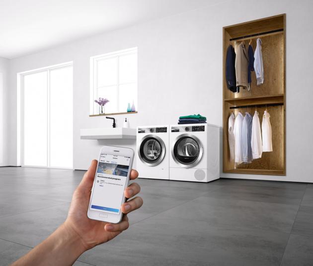 Značka Bosch uvádí první sušičky, které dokážou spolupracovat spračkami aautomaticky vybrat ten nejvhodnější program pro prádlo, cena nadotaz, WWW.BOSCH-HOME.COM/CZ