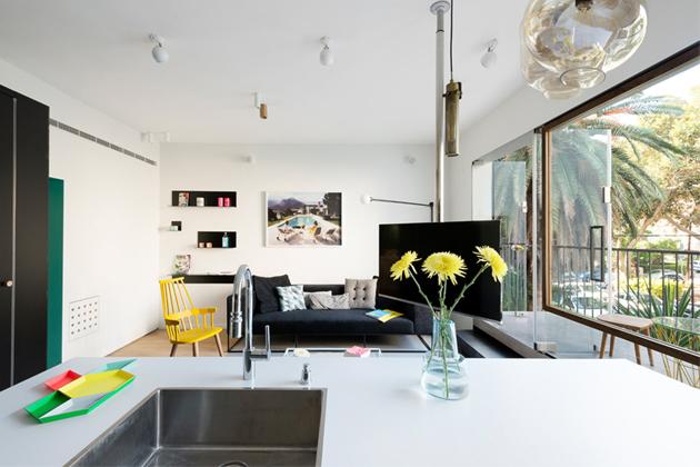 55m2 byt se v centru Tel Avivu proměnil vmoderní interiér