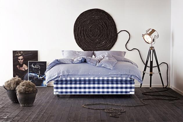 Dvoulůžková postel Hästens 2000T II (Hästens) se díky dokonale propracovaným detailům a jedinečnému designu řadí mezi nejexkluzivnější modely této prestižní značky, www.postele-hastens.cz