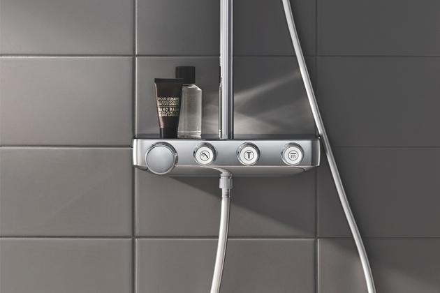 """Tlačítkový sprchový systém SmartControl (Grohe), snadné ovládání typu """"stisknout, otočit, sprchovat"""" umožňuje snadné přepínání mezi sprchovacími režimy, cena na dotaz, www.grohe.cz"""