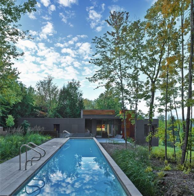 Součástí domu je i bazén
