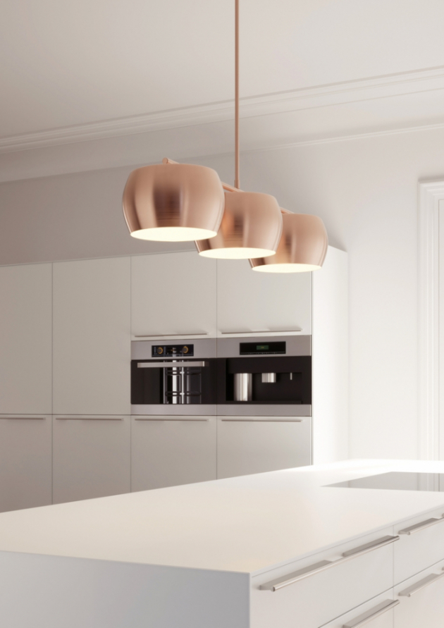 Nové technologie jako LED a energeticky úsporné žárovky vyžadují pro vytvoření stejného množství světla mnohem méně energie, proto je důležitější sledovat také světelný tok – lumen. Ten uvádí svítivost žárovky. Poměr mezi světelným tokem, který žárovka vydává, a výkonem, který pro to potřebuje, se nazývá světelná účinnost. Ta je uváděna v lumenech na watt. Čím vyšší je poměr lumen/watt, tím úspornější je světelný zdroj. A na základě toho z poměru lumen/watt vyplývá také příslušná třída energetické účinnosti