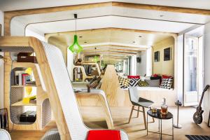 Španělské studio ZOOCO ESTUDIO vyslyšelo přání majitelů a připravilo jim návrh na změnu tradiční struktury prostoru.