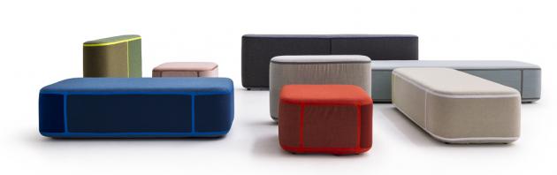Variabilní kolekce sedacího nábytku Tape (Moroso), jednotlivé díly lze spojovat pomocí polyuretanové pásky, cena nadotaz, www.moroso.it
