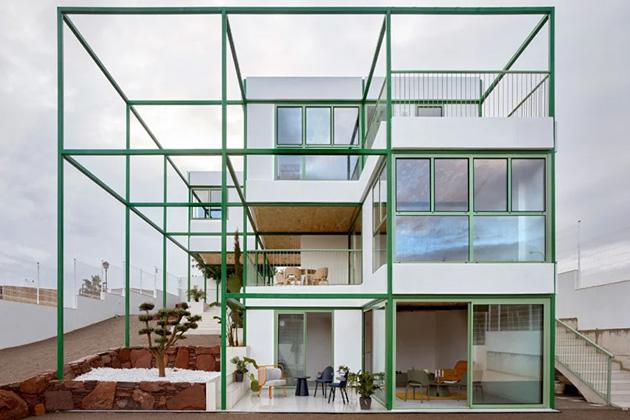 Modulární bydlení s prvky neo-maurské architektury