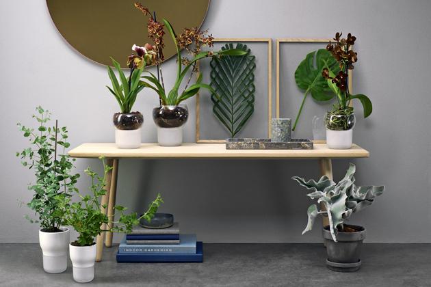 Samozavlažovací květináč (Eva Solo), sklo, pískované sklo anylon, průměr 15cm, výška 17cm, cena 1169Kč, www.esuperstore.cz