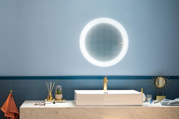 Zrcadlové osvětlení Hue White Ambiance Adore (Philips), bezdrátové ovládání pomocí stmívacího vypínače, plná kontrola přes smart zařízení, cena 6499Kč, WWW.HORNBACH.CZ