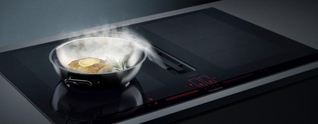 Hladký povrch nových indukčních varných desek inductionAir Plus má také tu výhodu, že se velmi snadno čistí.
