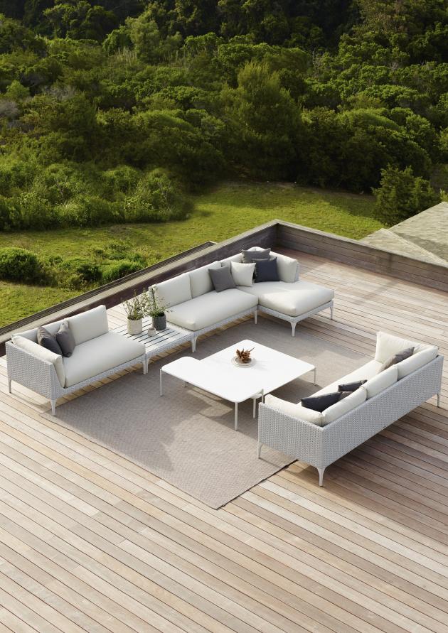 Německá značka Dedon, která slaví 30. let výročí od svého založení, nabízí nejstylovější zahradní nábytek. Spolupracuje s mnoha věhlasnými designéry a každý rok představuje nové kolekce, které splňují ty nejnáročnější požadavky na materiály a estetiku.