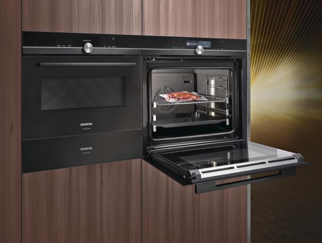 Vestavná pečicí trouba iQ 700 (Siemens), plný parní ohřev, 13 druhů ohřevu, Sous-Vide, teplotní sonda RoastingSensor, Home Connect, cena 53 990 Kč, WWW.SIEMENS-HOME. BSH-GROUP. COM/CZ