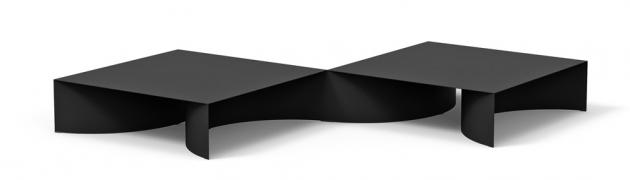 Void (Desalto), design Guglielmo Poletti, ocelové pláty o tloušťce 3 mm, rozměr jednoho modulu 110 × 110 × 30 cm, cena od 67 200 Kč, WWW.PUNTODESIGN.CZ